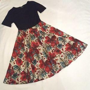 Dresses & Skirts - Black and Floral Print Summer Midi Tee Shirt Dress